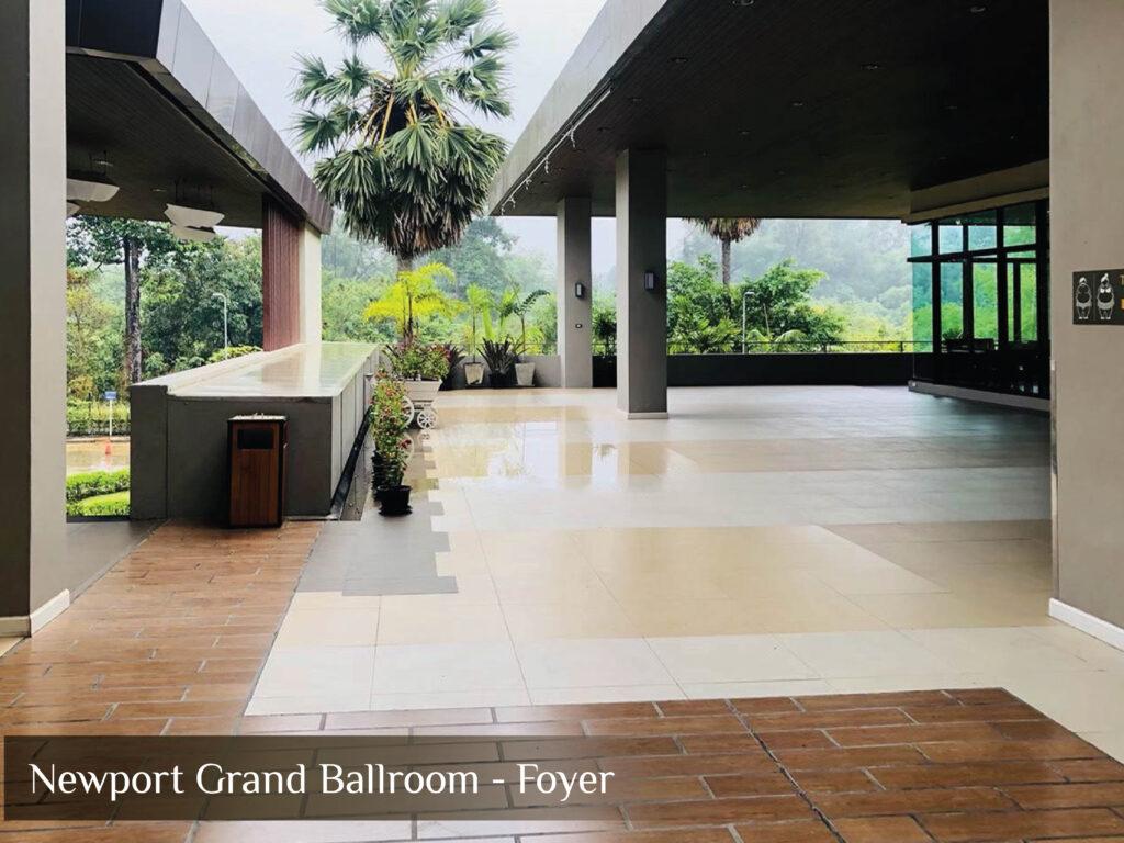 Newport Grand Ballroom - Foyer แก้ไข