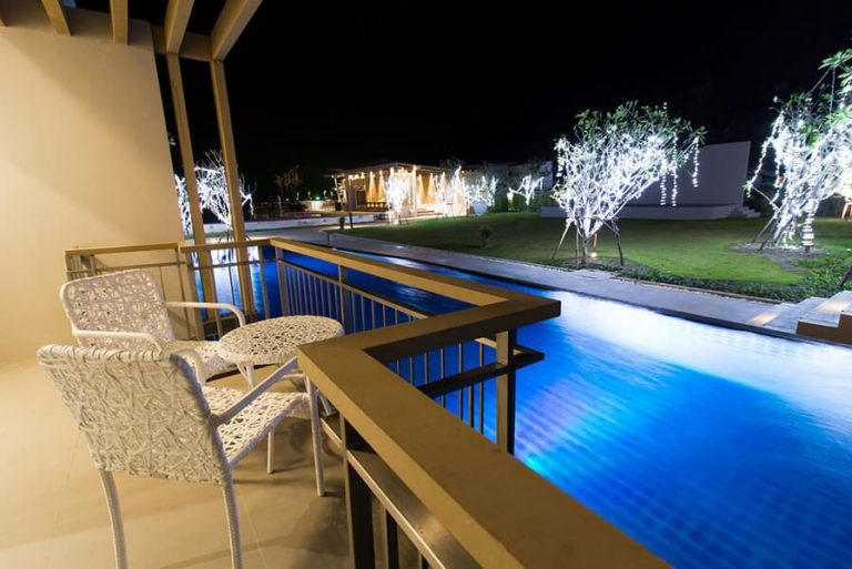 Swimming Pool 09