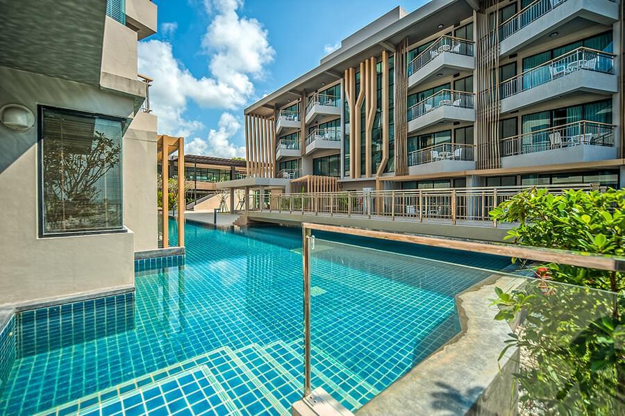 Premier pool access 06